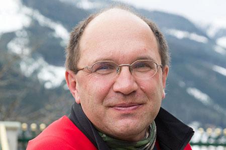 Die Arbeit mit Hunden im Spannungsfeld von Lob und Strafe mit Dr. Leopold Slotta-Bachmayr